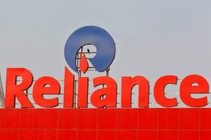 Reliance Industries crosses Rs 100,000 crore revenue mark, touches 300 mn customers Milestone, Opens 10,000 Retail Stores